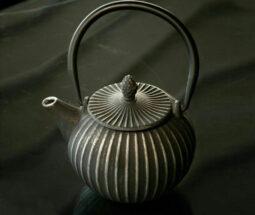 قوری چای نقش برجسته چدنی وایت پلیت